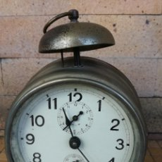 Despertadores antiguos: ANTIGUO RELOJ DESPERTADOR MADE IN ITALY - FUNCIONANDO. Lote 127212403