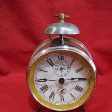 Despertadores antiguos: ANTIGUO RELOJ DESPERTADOR DE CUERDA - BAZAR PARISIEN VALLADOLID - AÑOS 40 -. FUNCIONANDO -. Lote 129737227