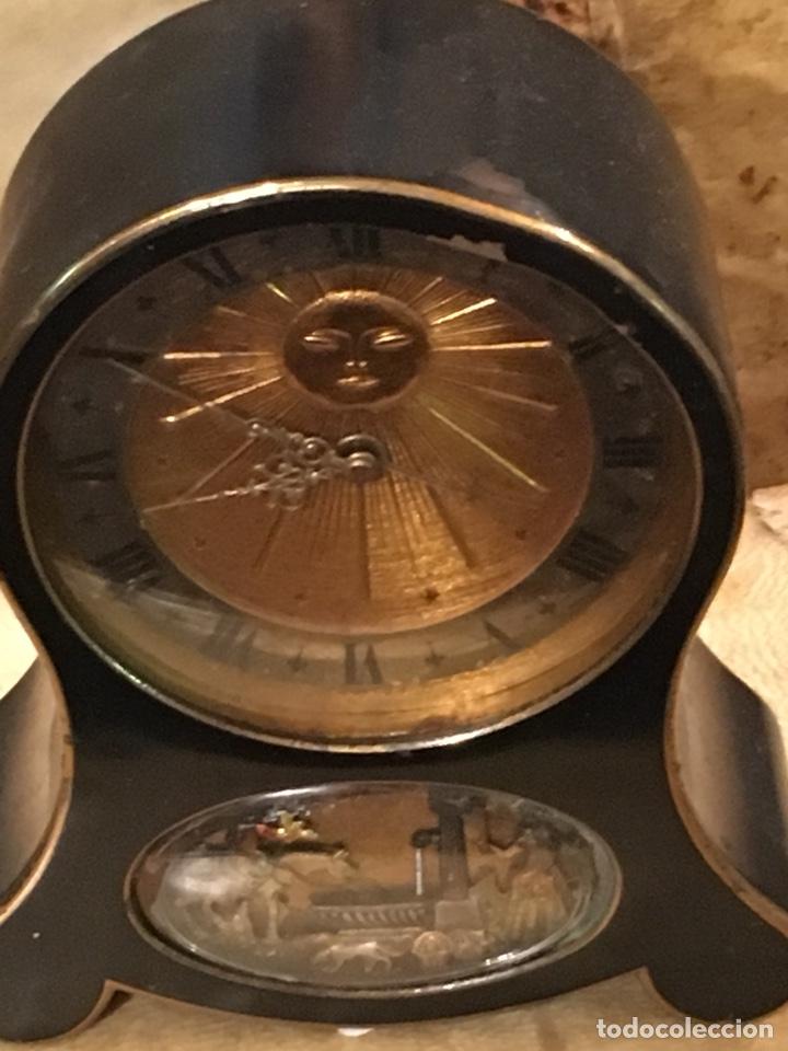 Despertadores antiguos: RELOJ DESPERTADOR CON MOVIMIENTO Y MÚSICA MARCA JAEGER SWIS , NO FUNCIONA - Foto 3 - 130393632