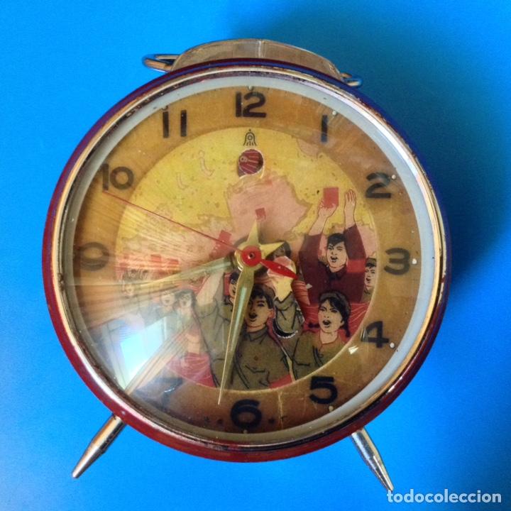 RARO RELOJ AUTOMATA CHINO CONMEMORATIVO DE LA REVOLUCION CULTURAL AÑOS 60 (Relojes - Relojes Despertadores)