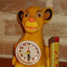Despertadores antiguos: RELOJ DESPESTADOR INFANTIL,REY LEON.. Lote 131114932