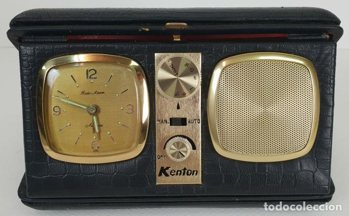 RADIO RELOJ DESPERTADOR KENTON. MADE IN HONG KONG. CIRCA 1960. (Relojes - Relojes Despertadores)