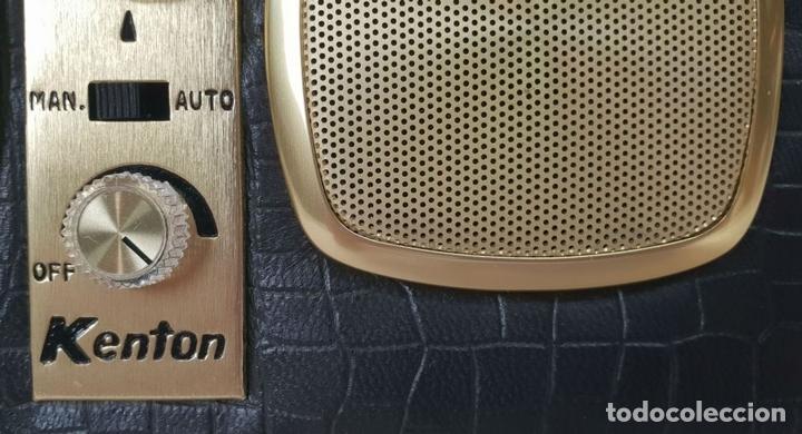 Despertadores antiguos: RADIO RELOJ DESPERTADOR KENTON. MADE IN HONG KONG. CIRCA 1960. - Foto 10 - 131717738