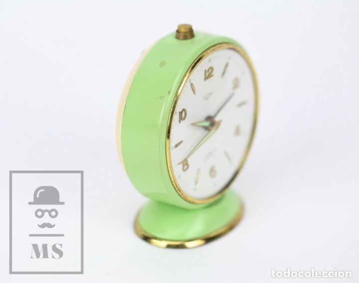 Despertadores antiguos: Reloj Despertador Vintage - Titan / NPU - Verde Pastel - Restauración - Años 50-60 - Foto 5 - 132072802