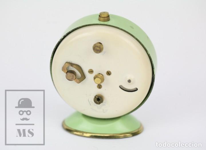 Despertadores antiguos: Reloj Despertador Vintage - Titan / NPU - Verde Pastel - Restauración - Años 50-60 - Foto 6 - 132072802