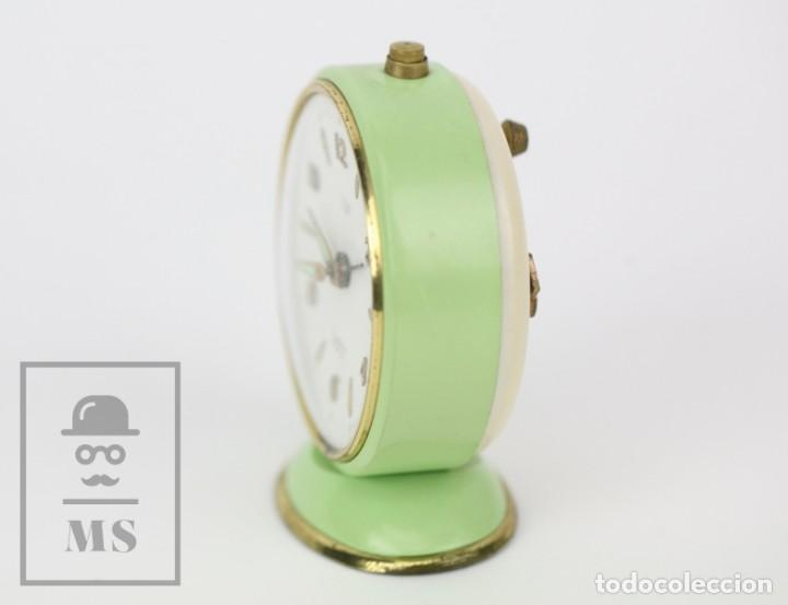 Despertadores antiguos: Reloj Despertador Vintage - Titan / NPU - Verde Pastel - Restauración - Años 50-60 - Foto 7 - 132072802
