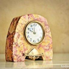 Despertadores antiguos: RELOJ DESPERTADOR FRANCES DE SOBREMESA AÑOS 30 ARTDECO DE MARMOL - ALARM CLOCK FRANCE ART DECO. Lote 132478370