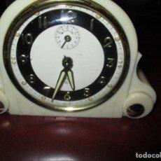 Despertadores antiguos: RELOJ DESPERTADOR SOBREMESA SMI. Lote 132742766