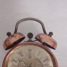 Despertadores antiguos: RELOJ DESPERTADOR JAZ DE SOBREMESA CAJA METÁLICA AÑOS 60´S APROX. FUNCIONA. Lote 133634838