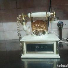 Despertadores antiguos: MUY RARO RELOJ DESPERTADOR VINTAGE EN FORMA DE TELÉFONO ANTIGUO FUNCIONA MIREN FOTOS . Lote 134343990
