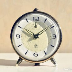 Despertadores antiguos: DESPERTADOR MARCA SMI RELOJ VINTAGE FUNCIONANDO MADE IN FRANCE. Lote 137586554
