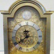 Despertadores antiguos: RELOJ DESPERTADOR DE BRONCE, MUY PESADO TEMPUS FUGILE. Lote 139603082