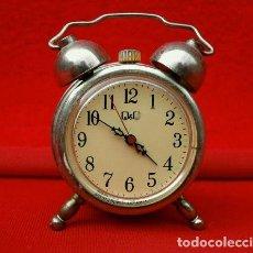 Despertadores antiguos: MINI RELOJ DESPERTADOR MARCA Q & Q DE COLECCION - 4 CM ALTO 3,5 CM DIAMETRO. Lote 140776430