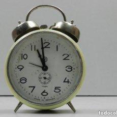 Despertadores antiguos: RELOJ DESPERTADOR AÑOS 70.BUENA PIEZA DE DECORACION. Lote 142785074