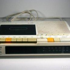 Despertadores antiguos: RADIO DESPERTADOR CASETE CASETTE VINTAGE ORIGINAL PHILIPS CLOCKRADIO 1980 . Lote 144020290