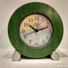 Despertadores antiguos: RELOJ DESPERTADOR MARCA NEXTIME QUARTZ MADERA VERDE. DIÁMETRO 113MM. FUNCIONA CORRECTAMENTE.. Lote 145054714