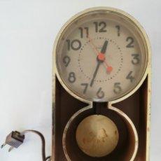Despertadores antiguos: SUNBEAM ELÉCTRICO, FUNCIONANDO, ALARMA, CLOCK 428 A SERIES - VINTAGE. Lote 159444524