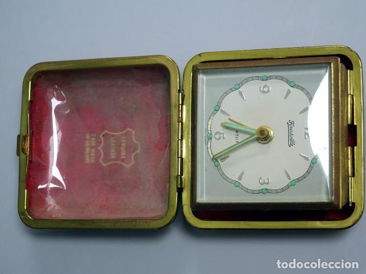 Despertadores antiguos: RELOJ DESPERTADOR DE VIAJE, estuche de PIEL, alemán, carga manual - Foto 4 - 147491834