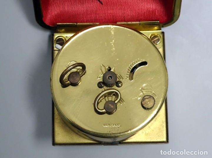 Despertadores antiguos: RELOJ DESPERTADOR DE VIAJE, estuche de PIEL, alemán, carga manual - Foto 5 - 147491834