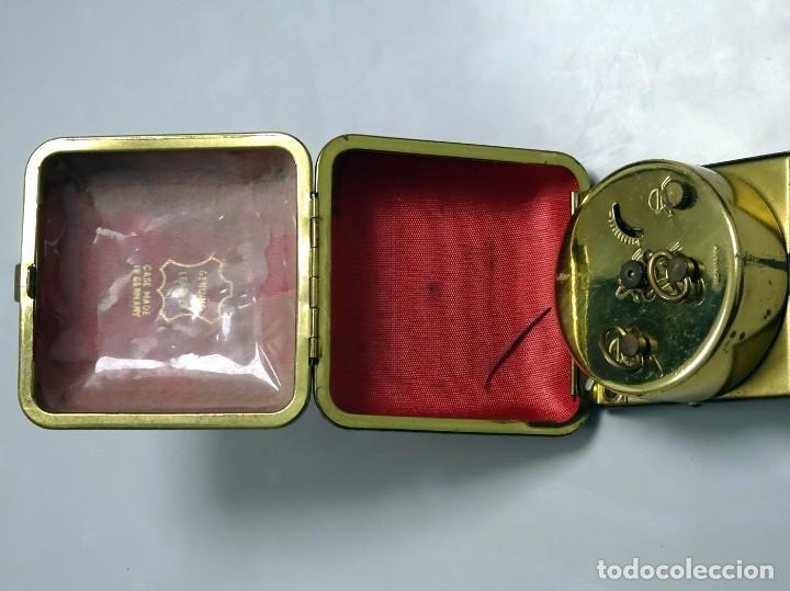 Despertadores antiguos: RELOJ DESPERTADOR DE VIAJE, estuche de PIEL, alemán, carga manual - Foto 6 - 147491834