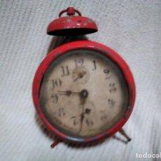 Despertadores antiguos: ANTIGUO RELOJ DESPERTADOR PARA PIEZAS O DECORACION. Lote 152369510