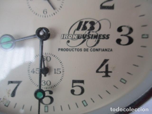 Despertadores antiguos: PRECIOSO DESPERTADOR VINTAGE DE IRON BUSINESS IB, PRODUCTOS DE CONFIANZA - FUNCIONA - Foto 3 - 152904306