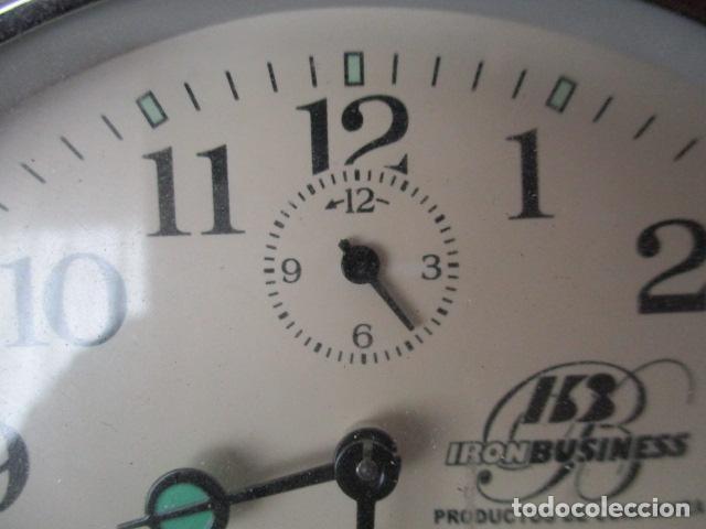 Despertadores antiguos: PRECIOSO DESPERTADOR VINTAGE DE IRON BUSINESS IB, PRODUCTOS DE CONFIANZA - FUNCIONA - Foto 5 - 152904306