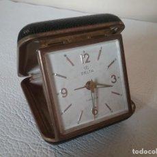 Despertadores antiguos: RELOJ DESPERTADOR DE VIAJE. UTI DELTA. FUNCIONA. Lote 155493670