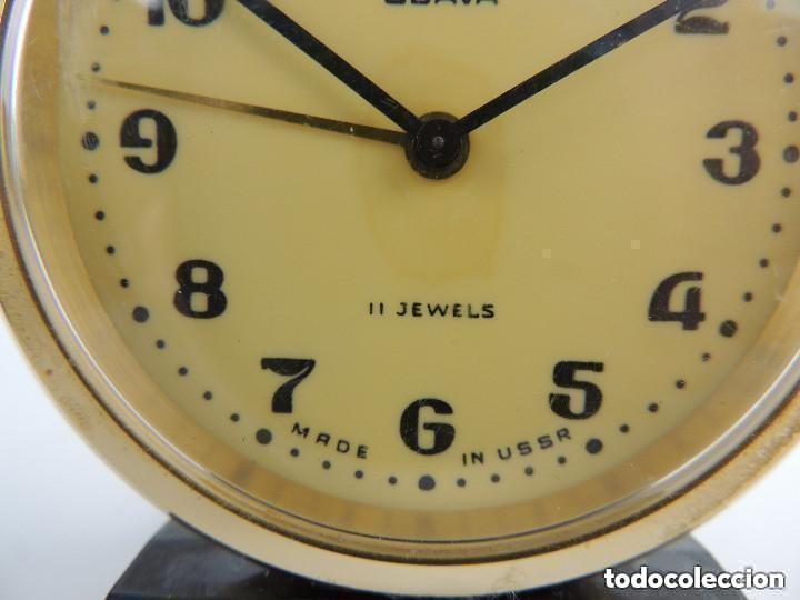 Despertadores antiguos: Antiguo Reloj Despertador a Cuerda Marca Slava Años 60-70 Era Comunista - Foto 3 - 156556810