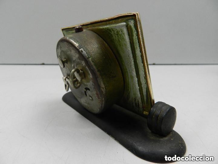 Despertadores antiguos: Antiguo Reloj Despertador a Cuerda Marca Slava Años 60-70- Vintage - Foto 3 - 156556958