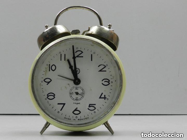 RELOJ DESPERTADOR AÑOS 70.BUENA PIEZA DE DECORACIÓN (Relojes - Relojes Despertadores)