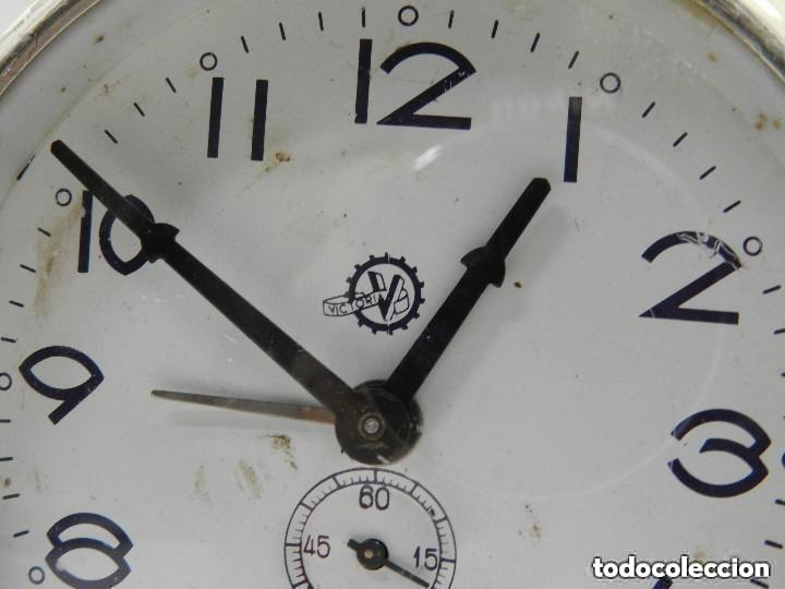 Despertadores antiguos: RELOJ DESPERTADOR AÑOS 70.BUENA PIEZA DE DECORACIÓN - Foto 5 - 156557002