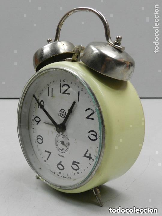 Despertadores antiguos: RELOJ DESPERTADOR AÑOS 70.BUENA PIEZA DE DECORACIÓN - Foto 6 - 156557002