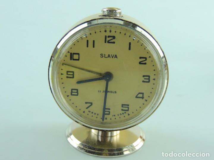 ANTIGUO RELOJ DESPERTADOR A CUERDA MARCA SLAVA AÑOS 60-70 ERA COMUNISTA (Relojes - Relojes Despertadores)