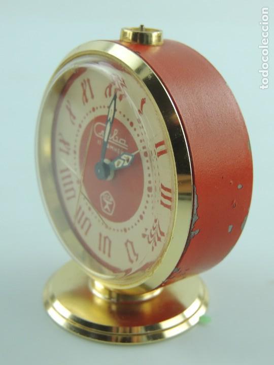 Despertadores antiguos: Antiguo Reloj Despertador a Cuerda Marca Slava Años 60-70 Era Comunista - Foto 5 - 156557146