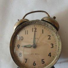 Despertadores antiguos: RELOJ DESPERTADOR TITAN. Lote 158813982