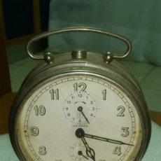 Despertadores antiguos: RELOJ DESPERTADOR SOBREMESA CUERDA MANUAL. Lote 159789230