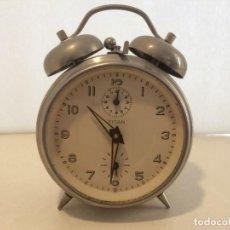Despertadores antiguos: RELOJ DESPERTADOR TITAN - FUNCIONANDO. Lote 161880914