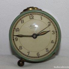 Despertadores antiguos: RELOJ DESPERTADOR ALEMÁN MAUTHE COLIBRI DE LOS AÑOS 50. Lote 163067394