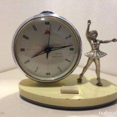 Despertadores antiguos: RELOJ DESPERTADOR VINTAGE DE FABRICACION CHINA - FUNCIONANDO. Lote 163409690