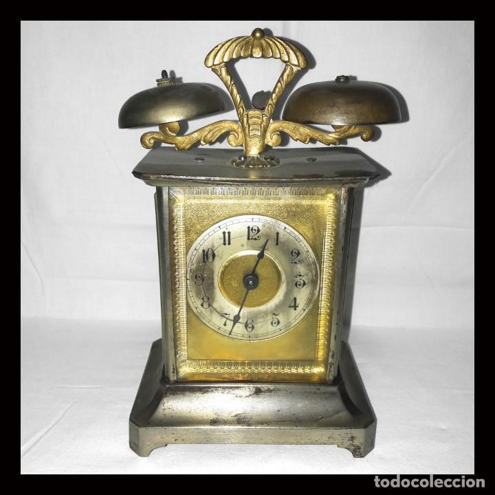 RELOJ DESPERTADOR CARRUAJE ALEMÁN. EN MARCHA CON SU LLAVE ORIGINAL. HACIA 1900. (Relojes - Relojes Despertadores)