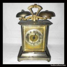 Despertadores antiguos: RELOJ DESPERTADOR CARRUAJE ALEMÁN. EN MARCHA CON SU LLAVE ORIGINAL. HACIA 1900.. Lote 165224650