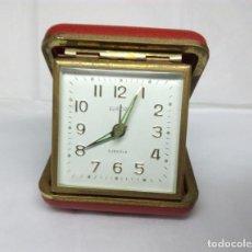 Despertadores antiguos: ANTIGUO RELOJ DESPERTADOR EUROPA DE CARGA MANUAL - MEDIDA 6 X 6 CM - FUNCIONANDO. Lote 165878594