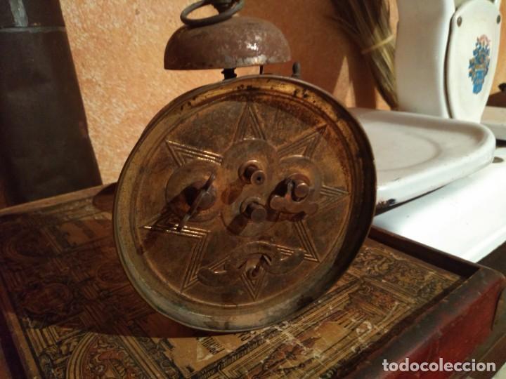Despertadores antiguos: Antiguo reloj despertador FUNCIONA - Foto 2 - 168249308