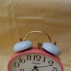 Despertadores antiguos: DESPERTADOR JERGER ROSA. Lote 169353488