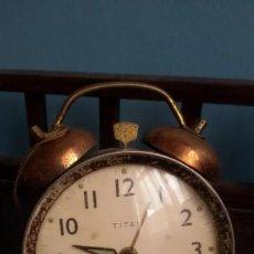 Despertadores antiguos: RELOJ - DESPERTADOR ¨ TITAN ¨DE MEDIADOS DE S. XX. Lote 169930896