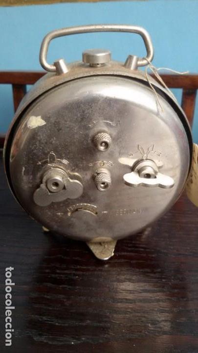 Despertadores antiguos: Reloj - despertador alemán. Marca ¨KIENZLE¨. Mediados S. XX - Foto 2 - 169931212
