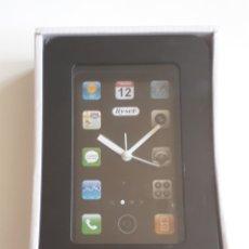 Despertadores antiguos: RELOJ DESPERTADOR CON DISEÑO DE IPHONE. Lote 170050716