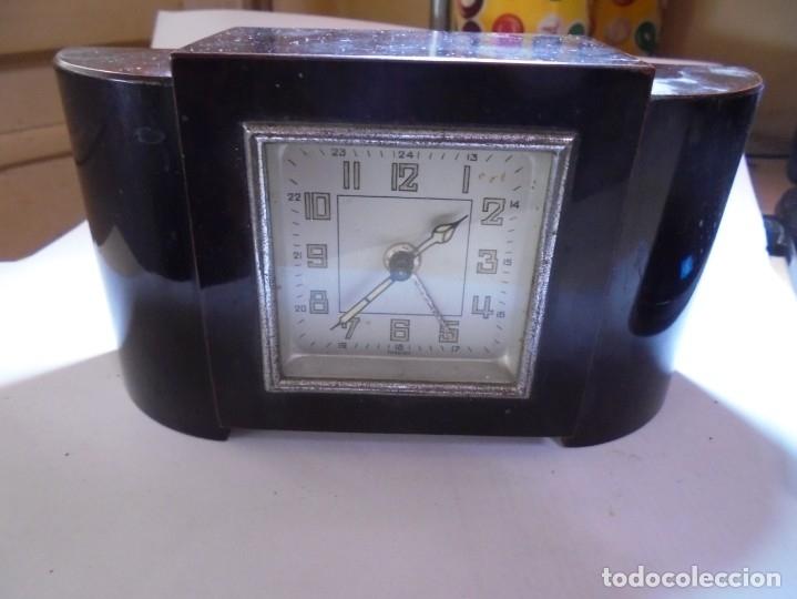 MAGNIFICO ANTIGUO RELOJ ART DECO SOBRE LOS AÑOS 30 (Relojes - Relojes Despertadores)