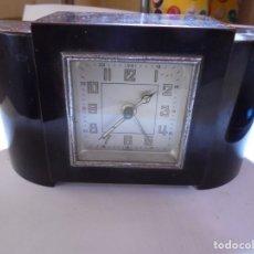 Despertadores antiguos: MAGNIFICO ANTIGUO RELOJ ART DECO SOBRE LOS AÑOS 30. Lote 172160687